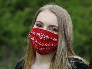 Červené rúško Čičmany
