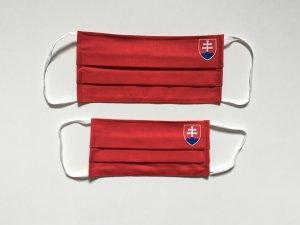 Červené rúško so slovenským znakom