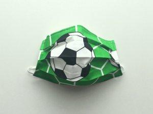 Zelené rúško s futbalovou loptou