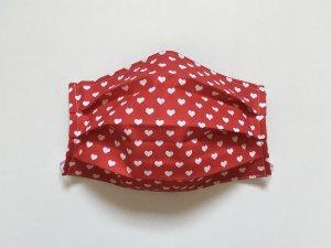 Červené rúško s bielymi srdiečkami