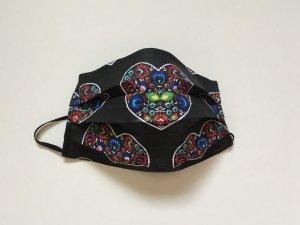 Čierne bavlnené rúško s kvetmi v srdiečku